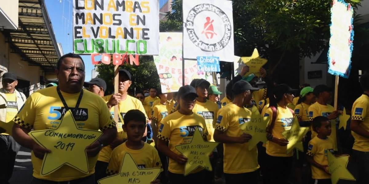 Con mensajes y una caminata conmemoran a víctimas de hechos de tránsito