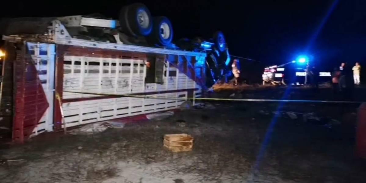 Volcadura de camión deja más de 20 peregrinos heridos
