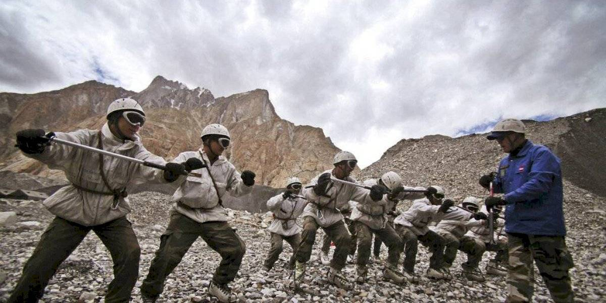Seis muertos dejó avalancha en un puesto indio en el Himalaya