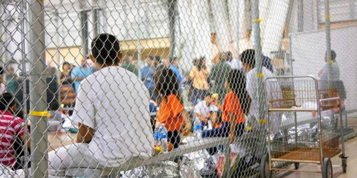 Hay más 100 mil niños migrantes detenidos en EU, estima la ONU