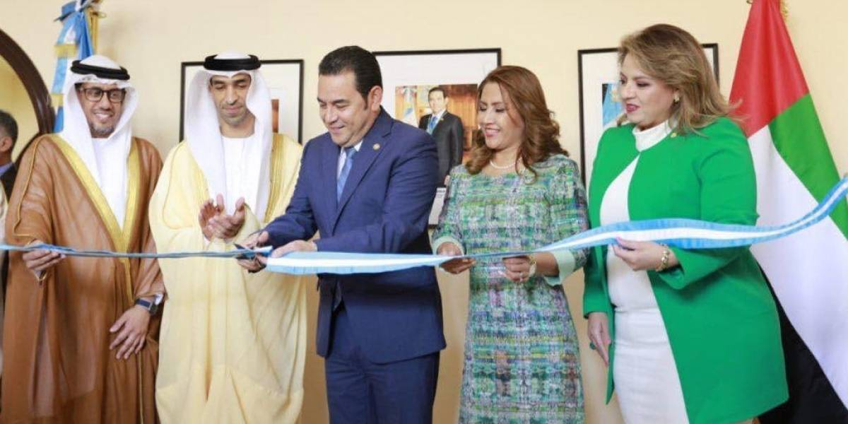 Presidente inaugura embajada de Guatemala en Emiratos Árabes Unidos