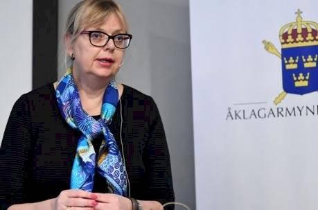 La subdirectora de enjuiciamiento público, Eva-Marie Persson, habla durante una conferencia de prensa sobre el desarrollo del caso del fundador de WikiLeaks, Julian Assange, el 19 de noviembre de 2019 en Estocolmo.