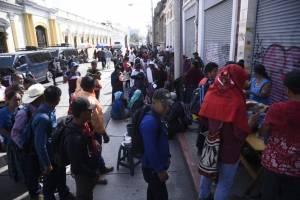 Manifestantes bloquean los ingresos al Congreso