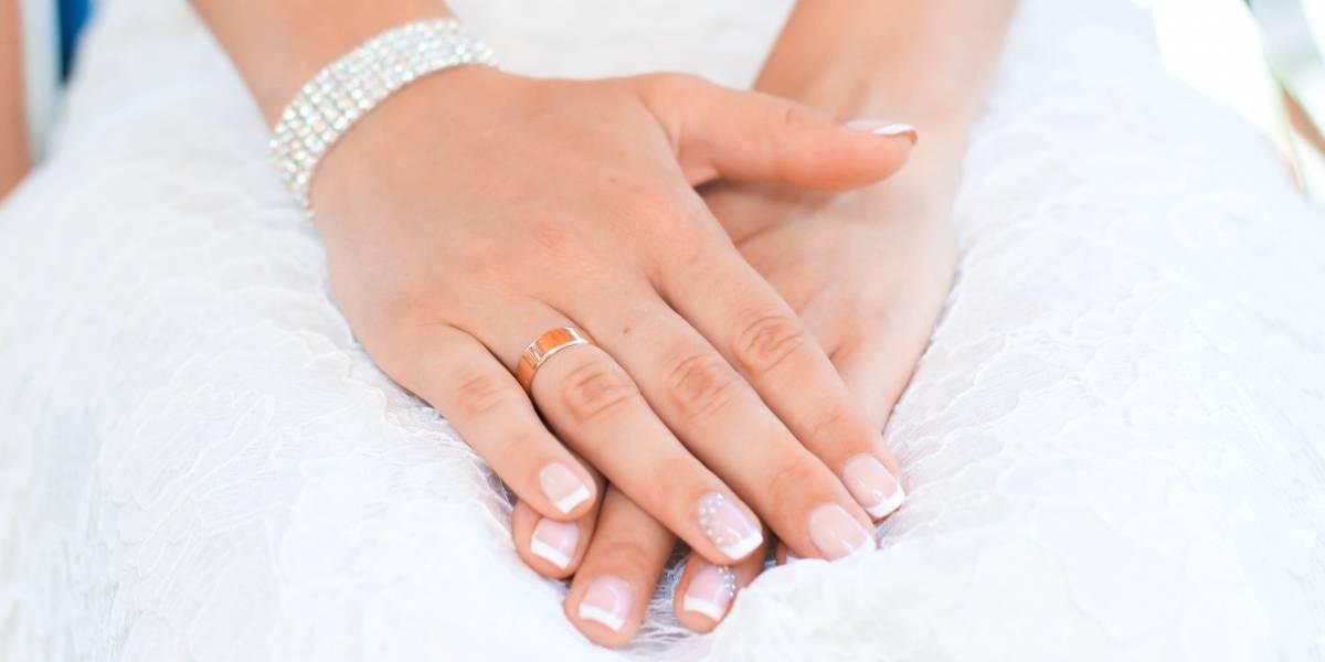De qué color pintar tus uñas para un matrimonio