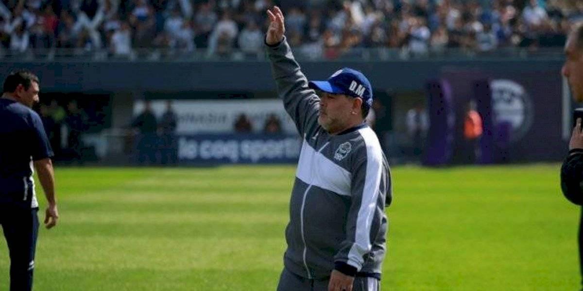 Bombazo: Diego Armando Maradona dejó la banca de Gimnasia luego de apenas dos meses