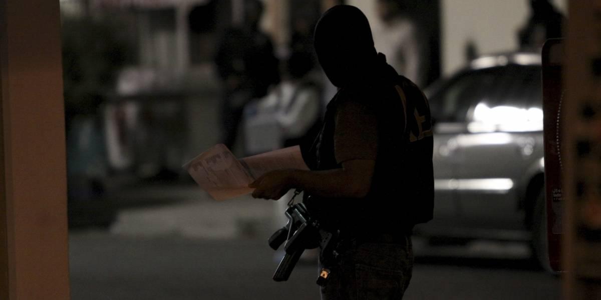 Hallan siete bolsas con restos humanos en Monterrey