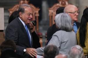 Carlos Slim y el consejero presidente del INE, Lorenzo Córdova en la ceremonia de protesta de Graue.