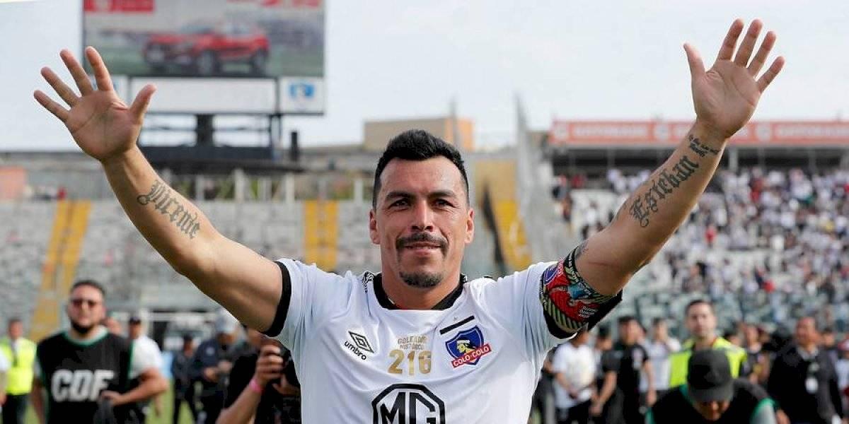 Esteban Paredes sigue recibiendo premios en Colo Colo tras convertirse en el goleador histórico del fútbol chileno