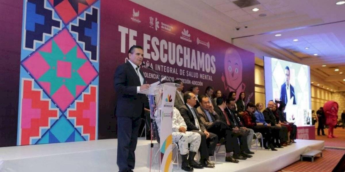 Silvano Aureoles da banderazo a campaña de salud mental en Michoacán