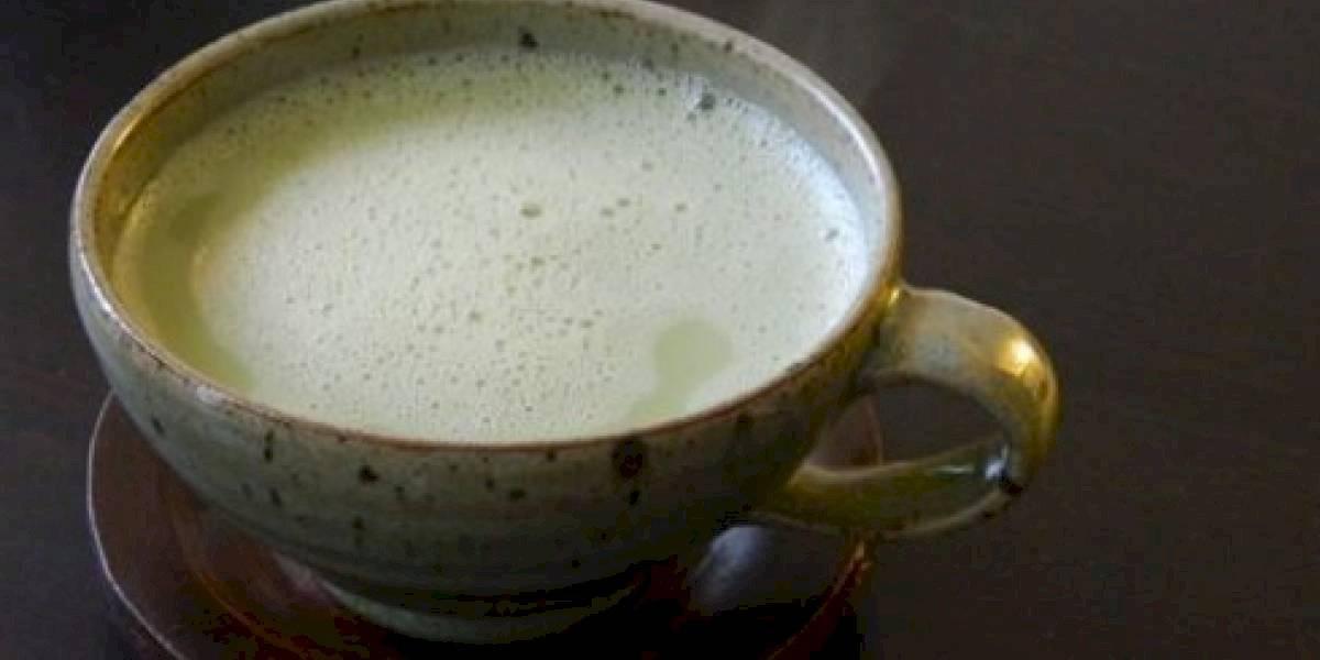 Chá verde com leite de amêndoas: saiba como preparar esta bebida que promete ajudar a emagrecer