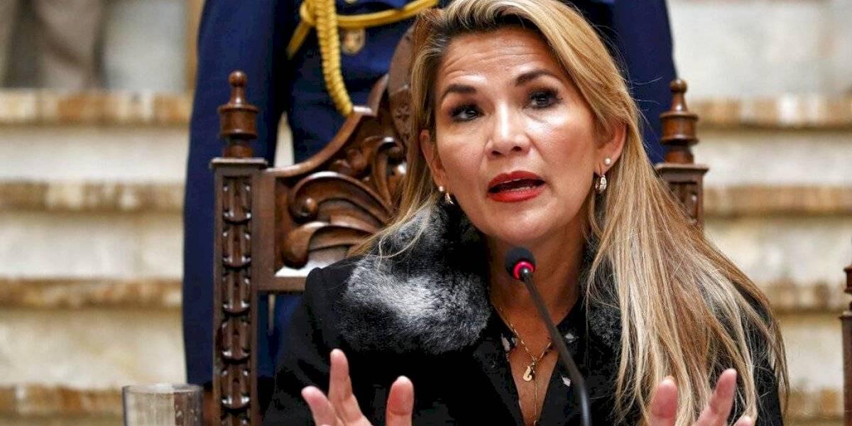 Áñez promulga ley para nuevas elecciones en Bolivia