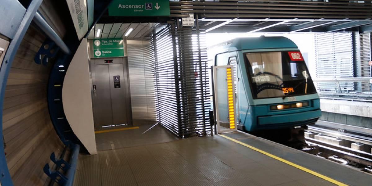 Metro de Santiago informa que estaciones en las Línea 1, 2 y 5 se encuentran sin servicio