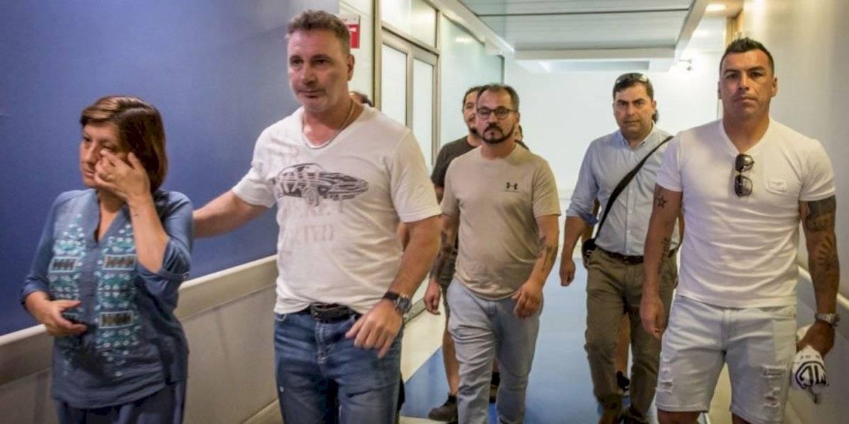 Esteban Paredes y Marcelo Barticciotto visitaron a Gustavo Gatica y desde el CSD Colo Colo le mandaron un fuerte apoyo