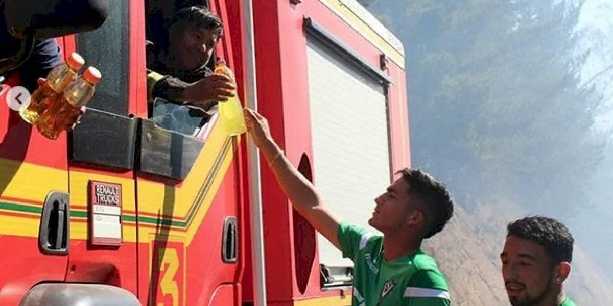 Tremendo: Jugadores de Santiago Wanderers ayudaron en terreno a los Bomberos de Valparaíso