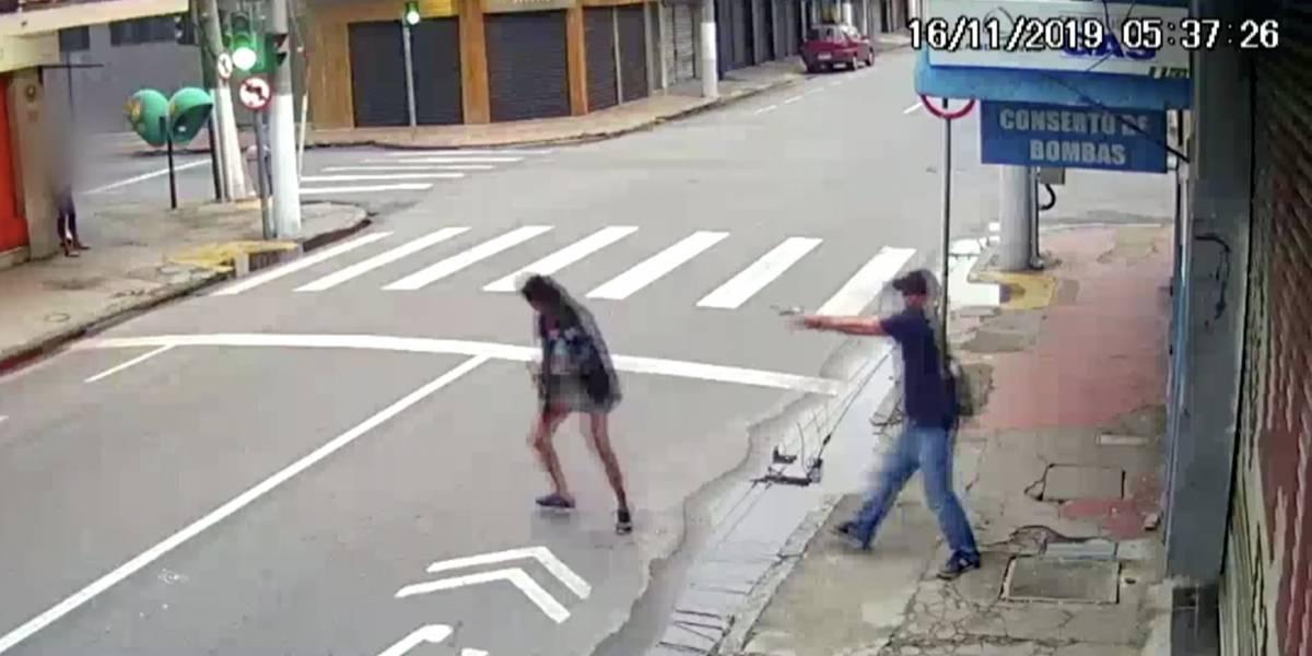 Homem mata a tiros moradora de rua que pediu esmola no RJ
