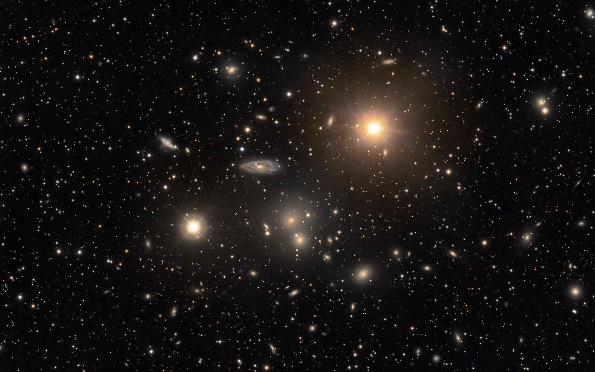 Astrónomos de la NASA detectan agujero negro debilitado en el cual nacen nuevas estrellas desde su núcleo