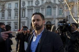 Vox llama 'mediocre con ínfulas' a AMLO por dichos sobre Hernán Cortés