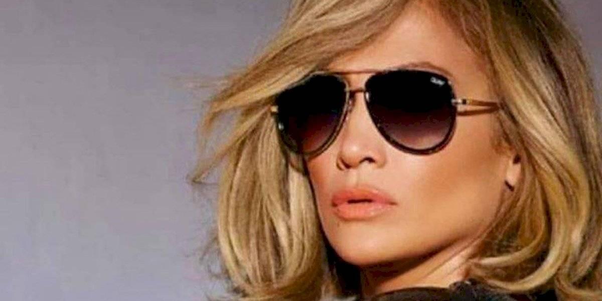 Jennifer Lopez deja entrever sus senos en sensuales fotos para la revista para caballeros GQ