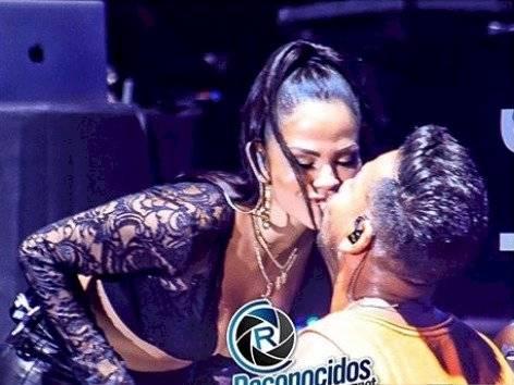 Natti Natasha y Romeo Santos