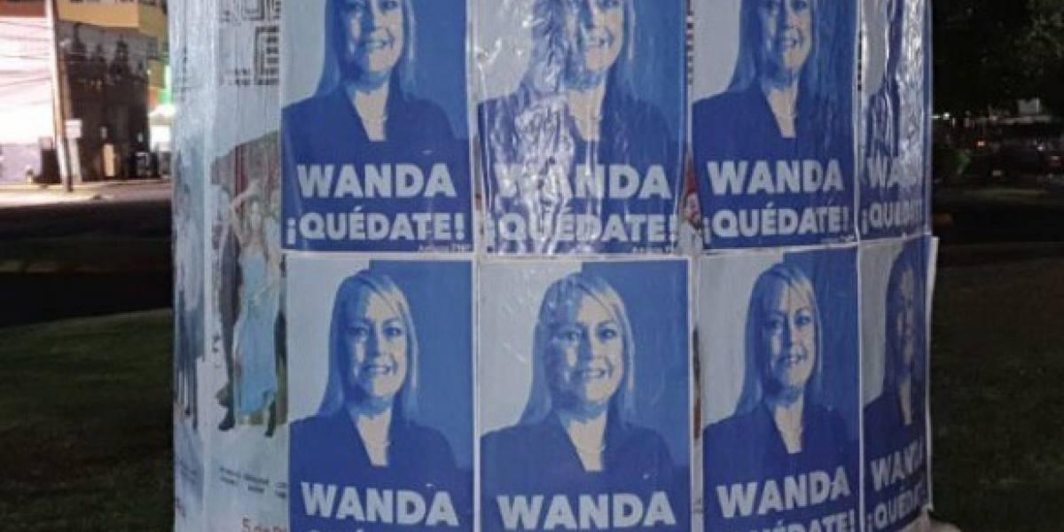 Amanecen áreas de zona Metro con pasquines a favor de Wanda Vázquez