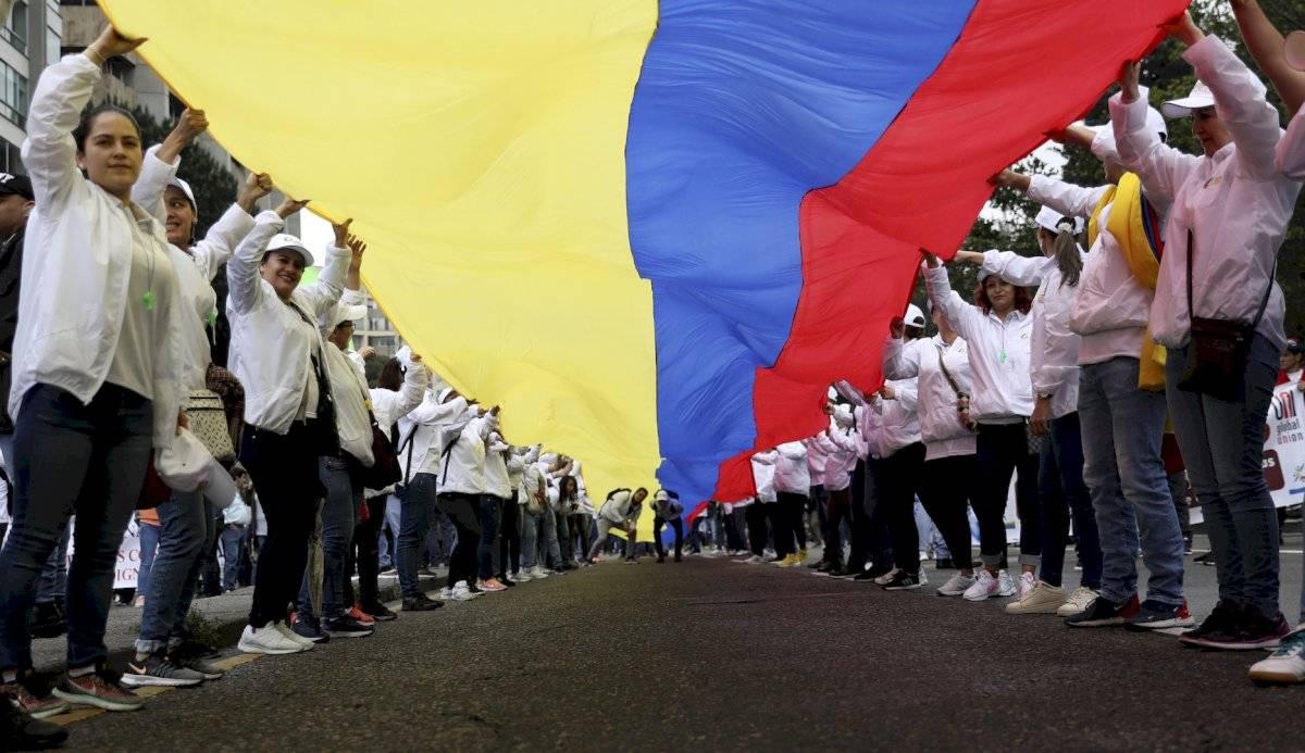 Las organizaciones sociales reclaman por su parte al Gobierno un mayor compromiso con la implementación del acuerdo de paz con las FARC