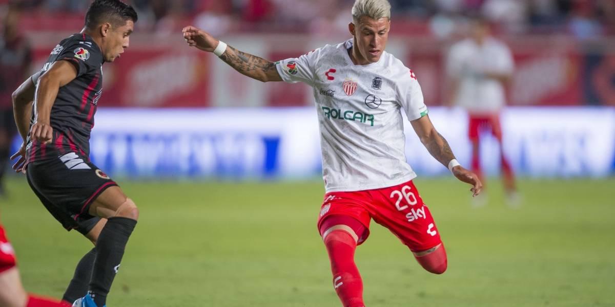 """Chivas gana al América carrera por el """"Chicote"""" Calderón"""