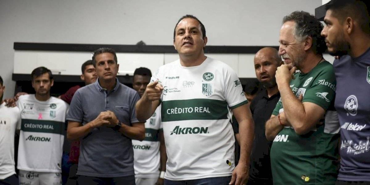 Cuauhtémoc Blanco baja al vestidor de Zacatepec para motivarlos en semifinal