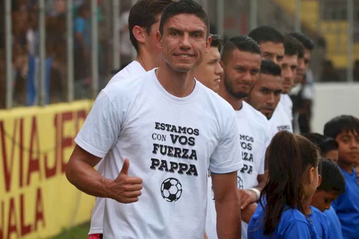 Foto Maynor Sandoval y Omar Solís | Los seleccionados apoyaron con este mensaje a Marco Pappa