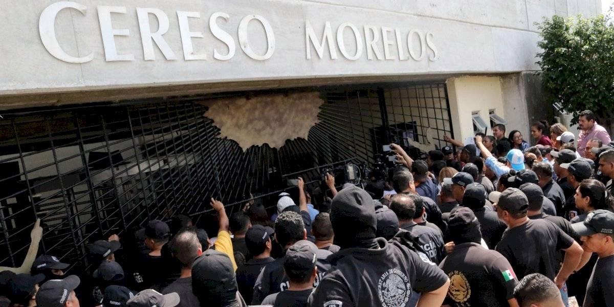 Riña en penal de Morelos deja dos muertos y 10 heridos