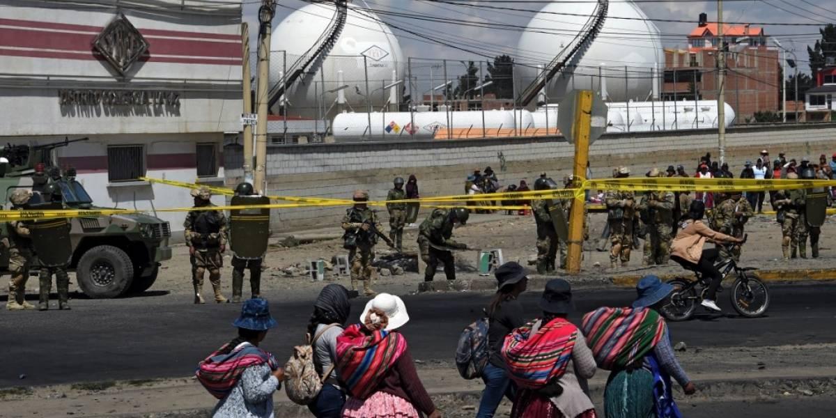 Policía usa gases lacrimógenos para dispersar marcha en Bolivia