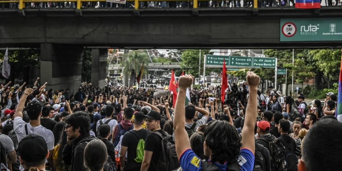 Colombianos salen a las calles para protestar contra el gobierno de Duque