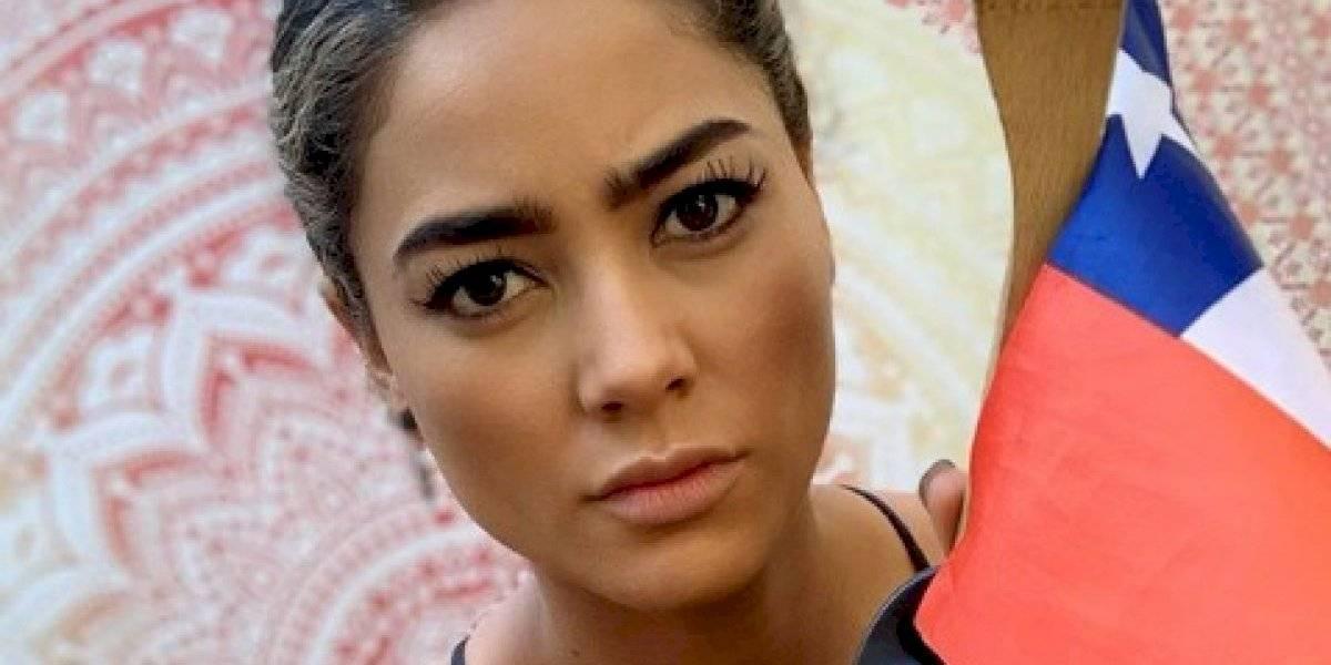 """""""¡Sin justicia no habrá paz!"""": Camila Recabarren comparte destapada postal junto a un sentido mensaje"""