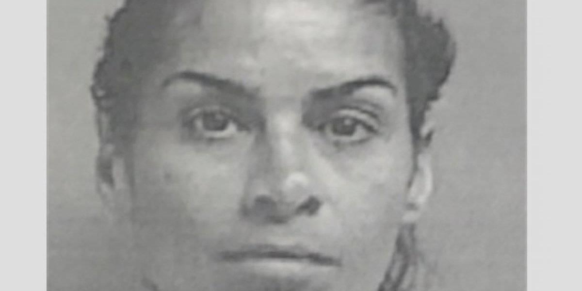 A la cárcel mujer por robar 21 dólares