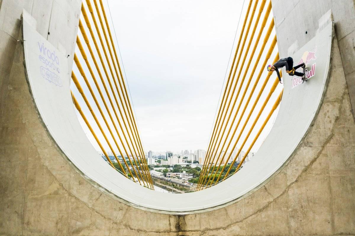 Sandro Dias na Ponte Estaiadinha, a 30 metros de altura