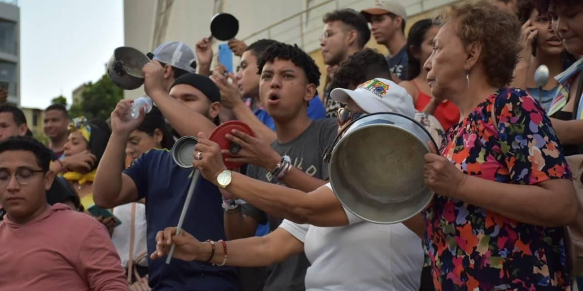 1D el paro sigue: siga el minuto a minuto del cacerolazo latinoamericano