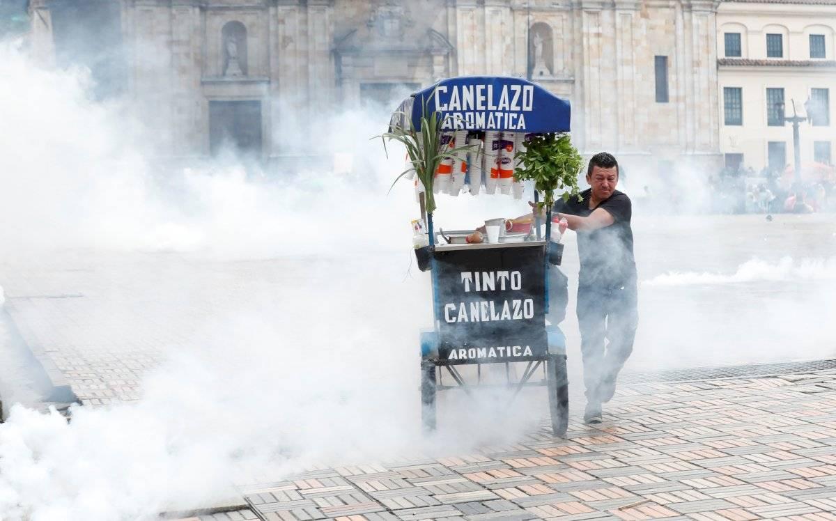 Decretan toque de queda en tres barrios populosos de Bogotá por vandalismo EFE