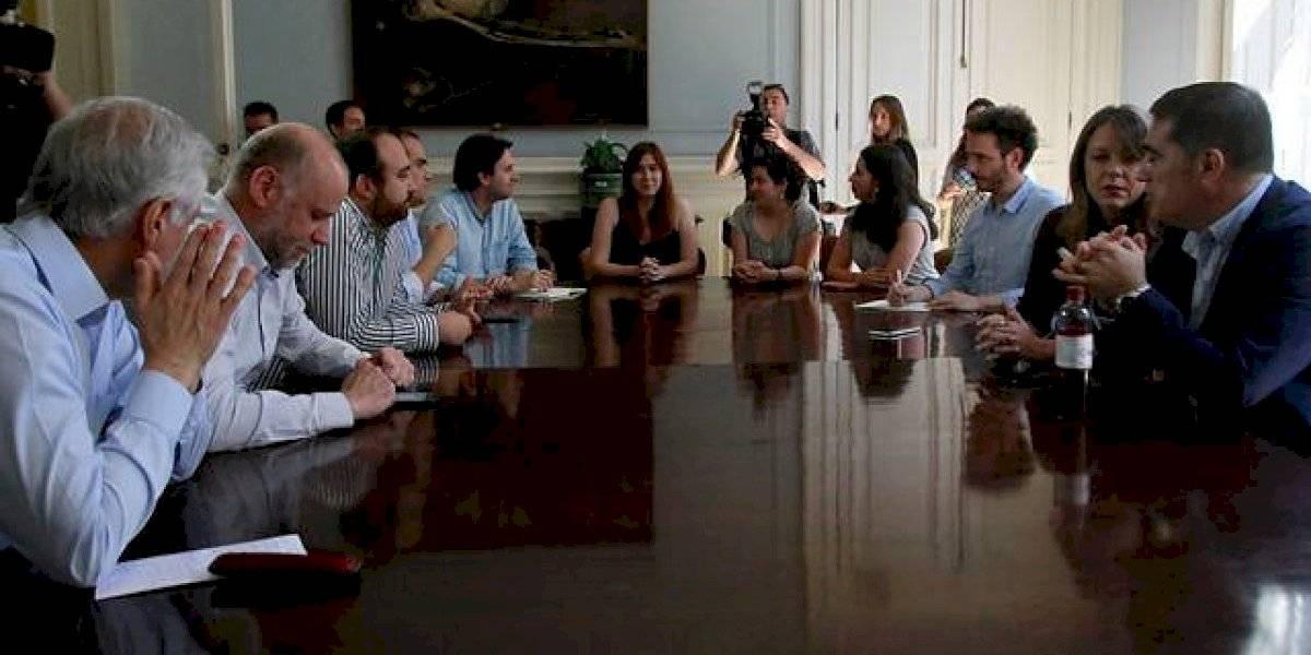 Partidos ingresarían este martes proyecto de reforma para el proceso constituyente