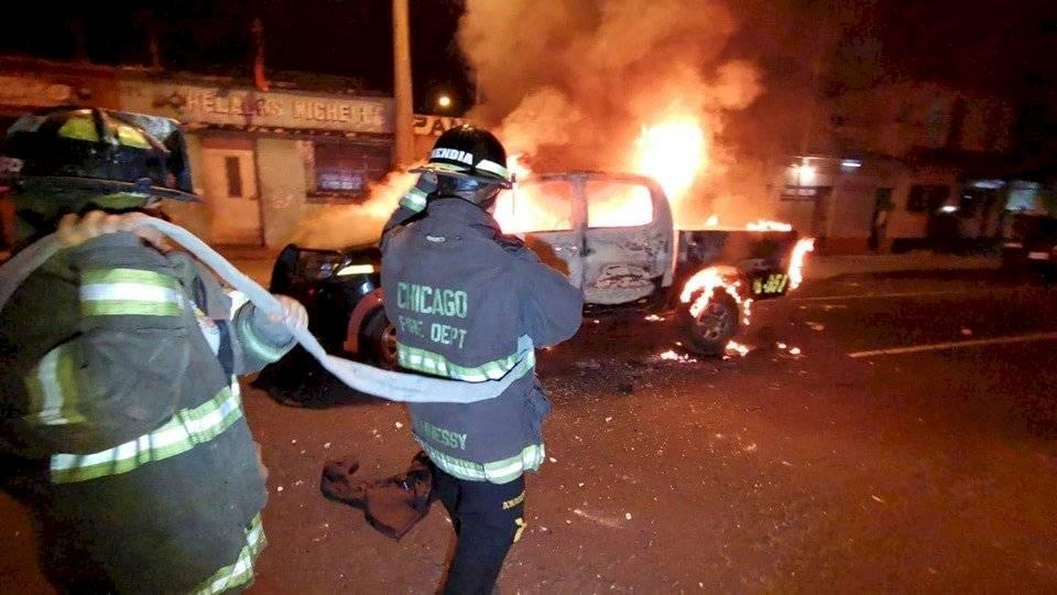 Balacera entre elementos de la PNC en la zona 7. Foto: Bomberos Voluntarios