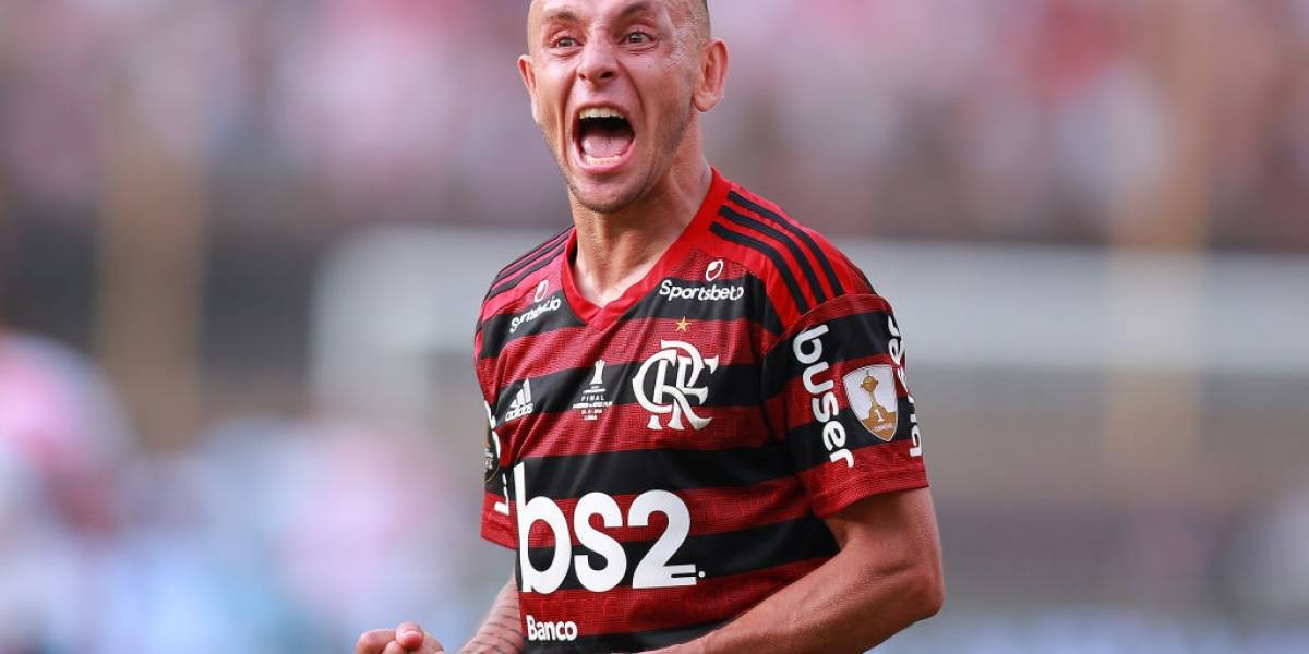Rafinha se unió al selecto grupo de futbolistas que conquistó Copa Libertadores y Champions League
