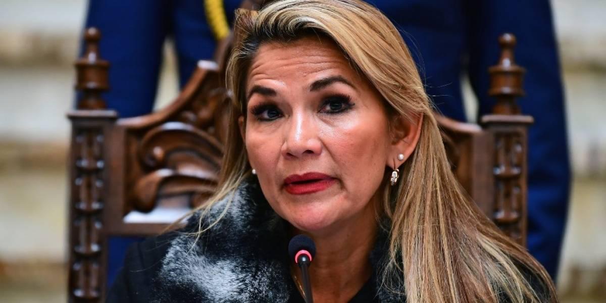 "Presidenta interina de Bolivia rechaza intento de senadores de dar ""amnistía"" a Morales"