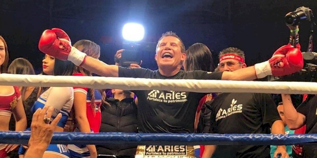 Julio César Chávez y el Travieso Arce protagonizan emocionante pelea en Tijuana