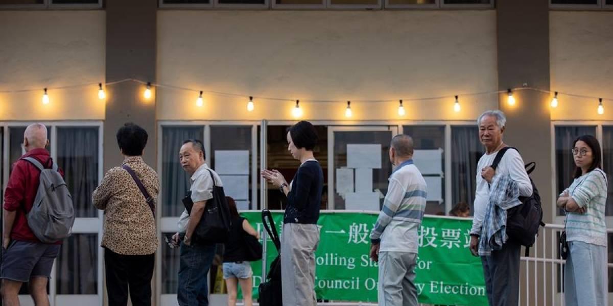 Elecciones en Hong Kong registran nivel récord de participación