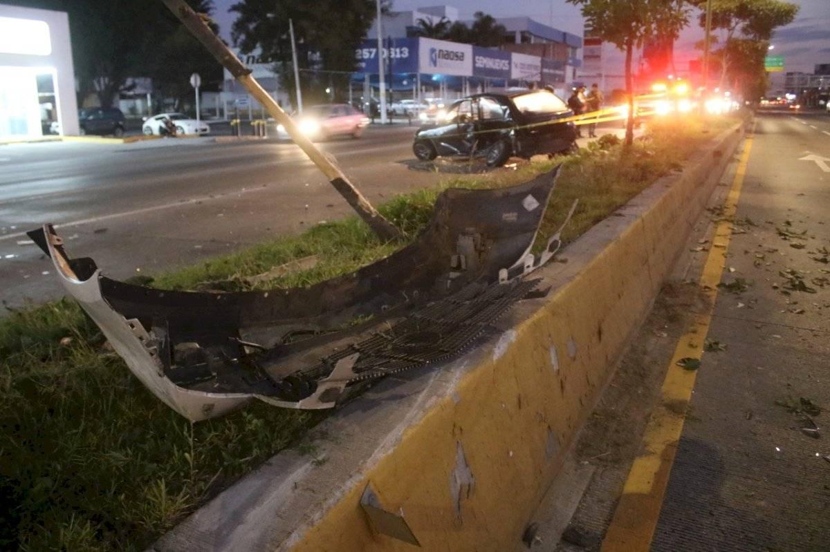 Choque en Zapopan provoca el deceso de joven automovilista