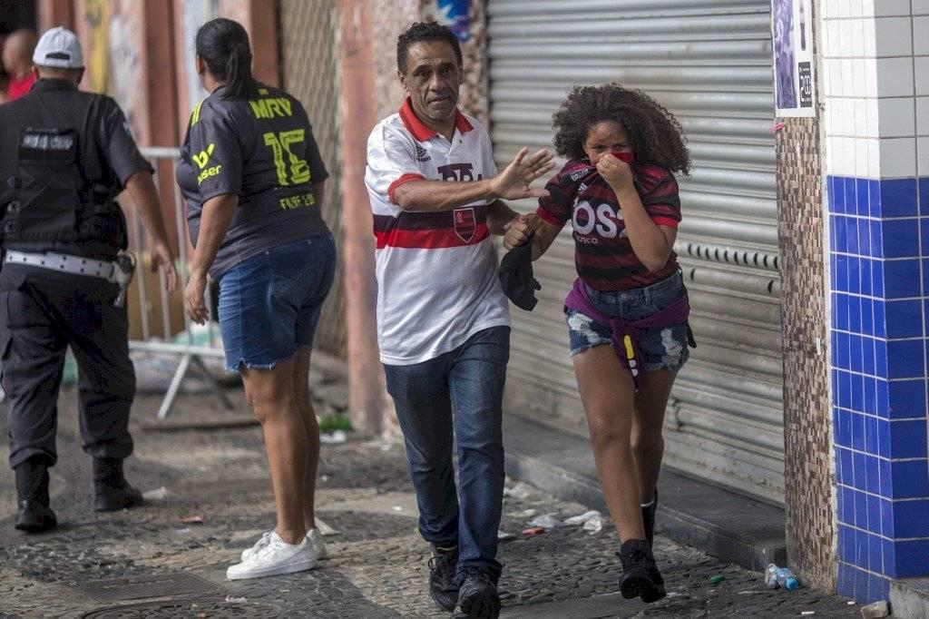 Foto AFP   Algunos aficionados provocaron incidentes al finalizar celebración de Falmengo