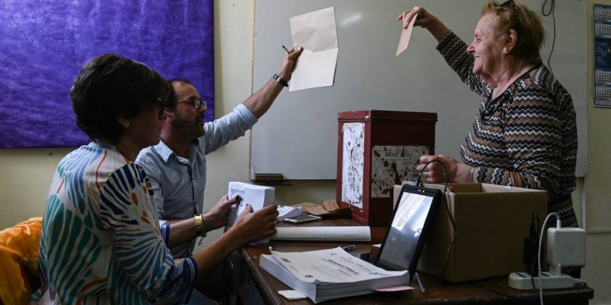 Uruguay acude a las urnas para elegir presidente