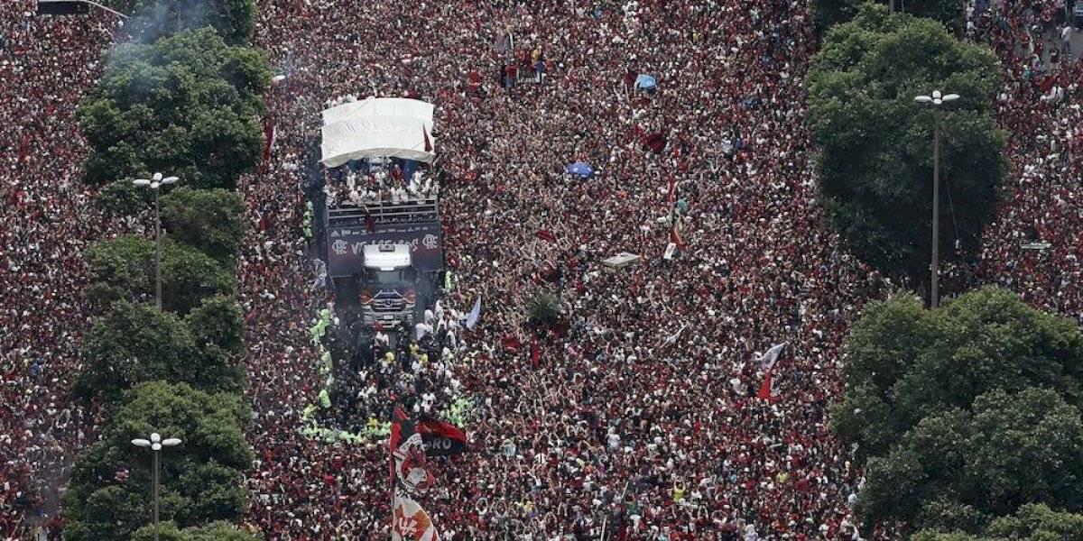 Aficionados del Flamengo inundaron calles de Río para celebrar el título