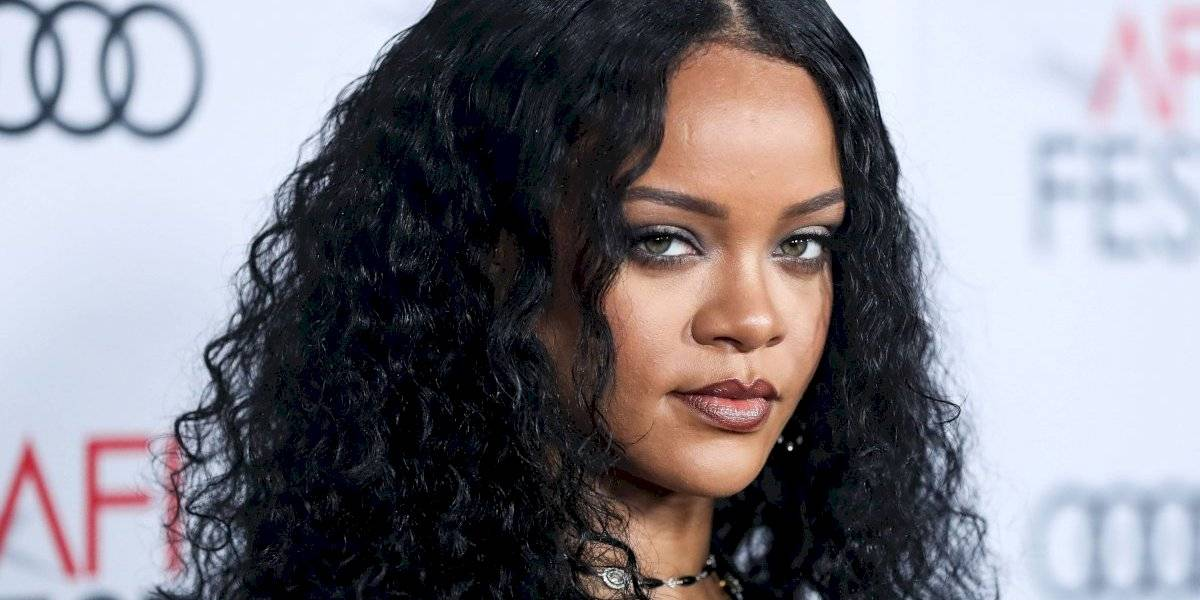 FOTO. Rihanna es captada en bikini y sin Photoshop, ¡así luce en realidad!