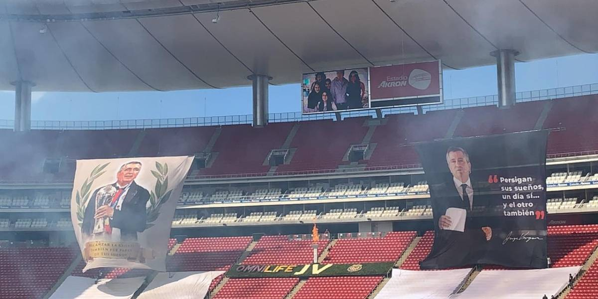 VIDEO: Rinden emotivo homenaje a Jorge Vergara en el estadio de Chivas
