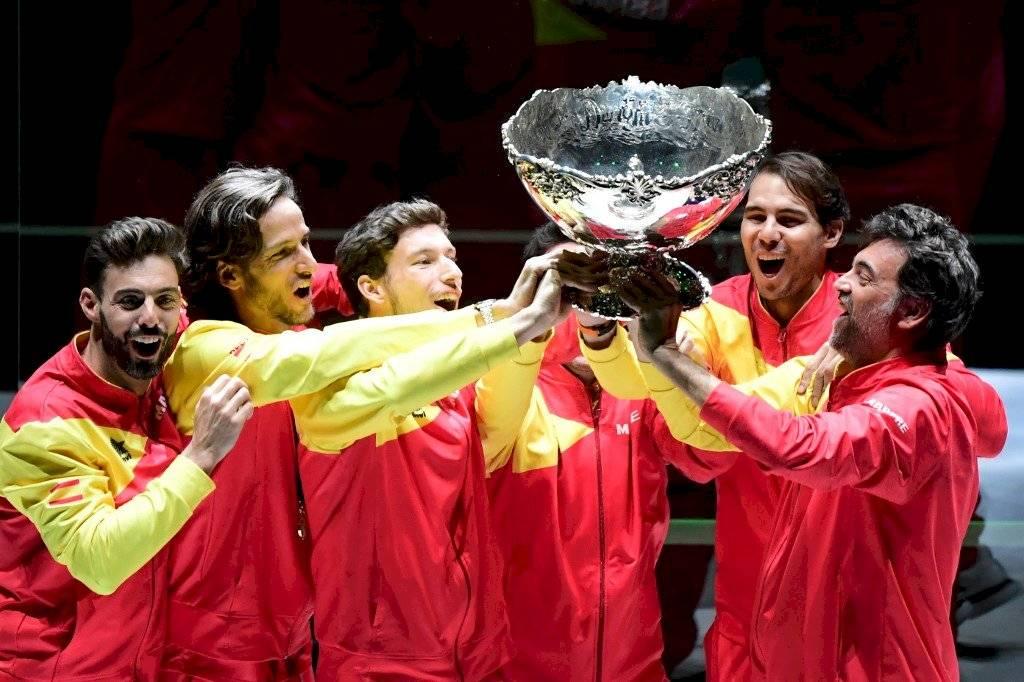Rafael Nadal le da título de Copa Davis a España