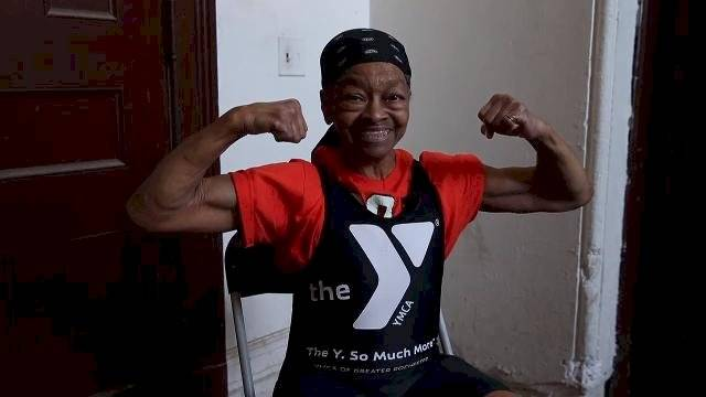 Willie Murphy, halterofilista norte-americana de 82 anos